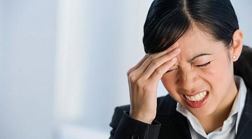 đau đầu và viêm mũi xoang mãn tính