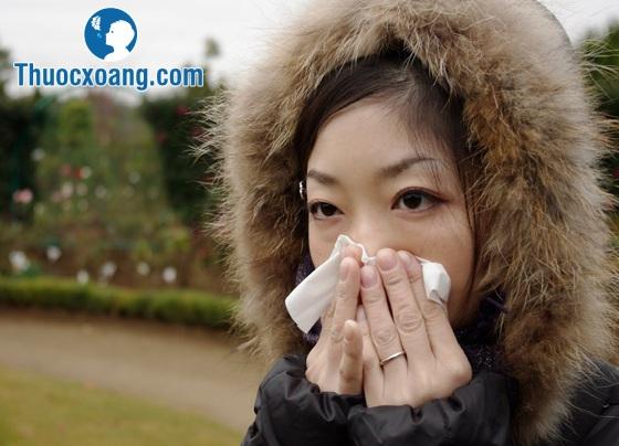 Hỉ mũi đúng cách sẽ tống khứ hết dịch nhờn gây khó chịu trong mũi ra ngoài