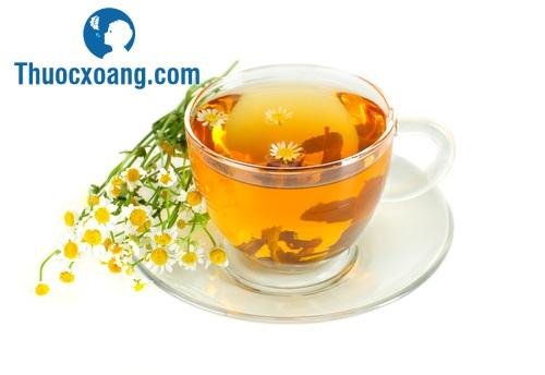 Trà hoa cúc có tác dụng điều trị viêm xoang rất tốt.