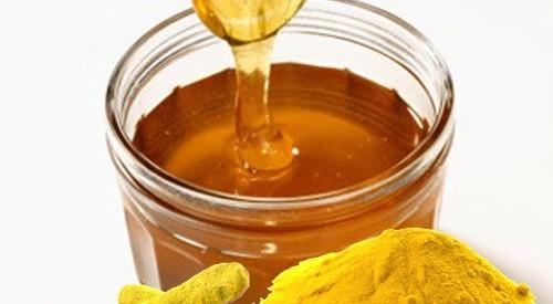 Ngậm nghệ vàng trộn mật ong giúp chữa viêm mũi xoang