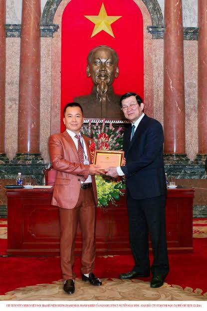Doctor Nam gặp mặt chủ tịch nước Trương Tấn Sang